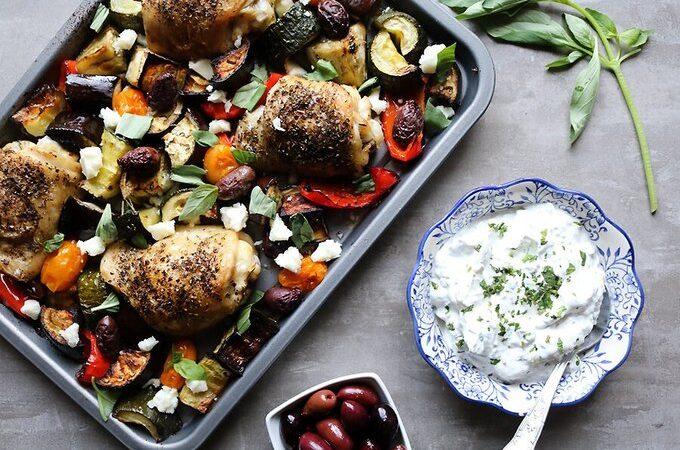 Курица по-гречески с мятой и йогуртовым соусом