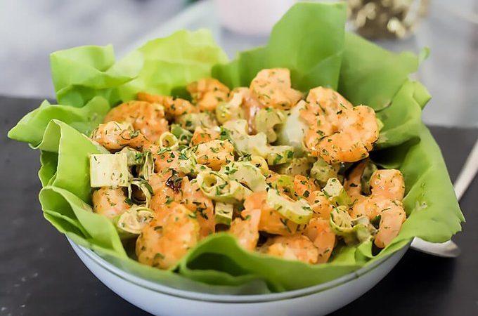 Сливочный кето салат с креветками