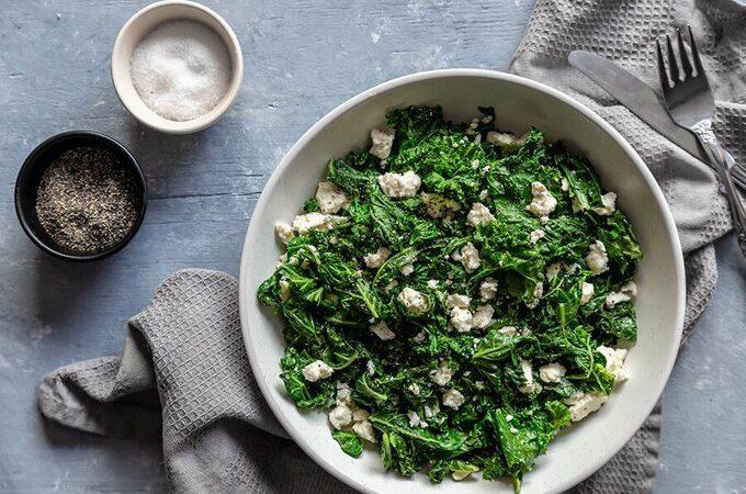 Кето теплый салат с капустой