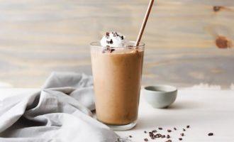 Кето сливочно-шоколадный смузи