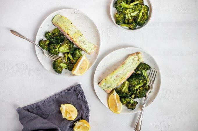 Кето лосось запеченный с брокколи